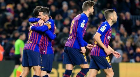ליאו מסי מחבק את פיליפה קוטיניו (La Liga)