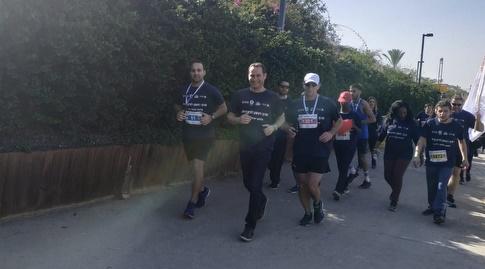 """ראש עיריית ראשון לציון, רז קינסטליך, רץ במרוץ ראשל""""צ (באדיבות עיריית ראשון לציון)"""