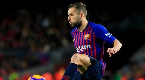 ג'ורדי אלבה עם הכדור (La Liga)