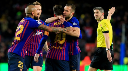 שחקני ברצלונה חוגגים (La Liga)