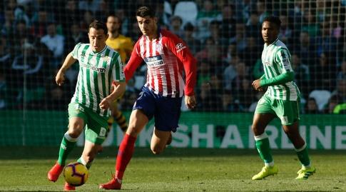אלברו מוראטה ואנדרס גווארדאדו אחרי הכדור (La Liga)