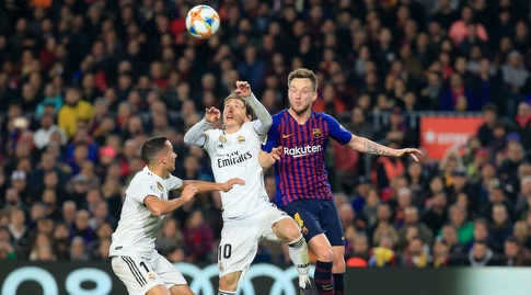 איבן ראקיטיץ' מול לוקה מודריץ'. גם היכולת של שניהם תהווה משקל רב בקלאסיקו הבא (La Liga)