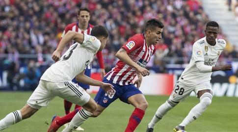 אנחל קוראה עם הכדור (La Liga)