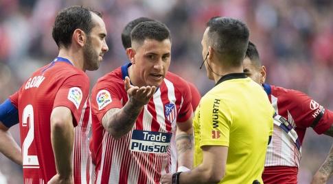 חוסה חימנס מתווכח עם השופט (La Liga)