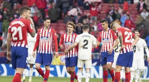 דני קרבחאל עם שחקני אתלטיקו מדריד בסיום (La Liga)