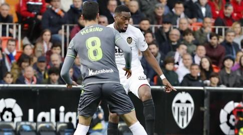 מיקל מרינו שומר על ג'ופרי קונדוגביה (La Liga)