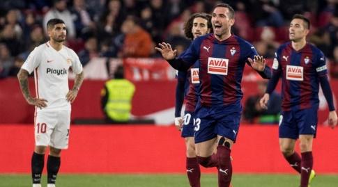 שחקני אייבר חוגגים, אבר באנגה מאוכזב (La Liga)
