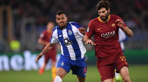 פדריקו פאסיו נלחם על הכדור עם פרננדו (רויטרס)