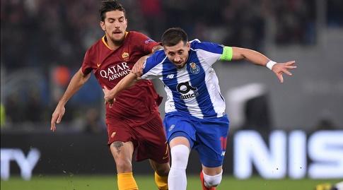 הקטור הררה ולורנצו פלגריני נלחמים על הכדור (רויטרס)