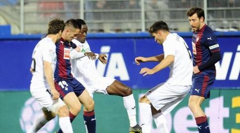 שארלס במאבק על הכדור (La Liga)
