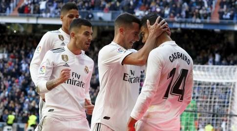 שחקני ריאל מדריד חוגגים עם קאסמירו (La Liga)