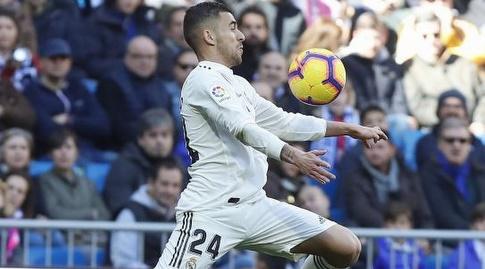 דני סבאיוס עוצר את הכדור (La Liga)