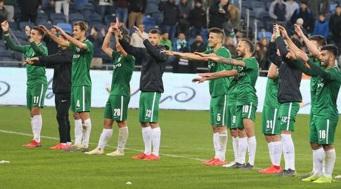 שחקני מכבי חיפה מודים לקהל (עמית מצפה)