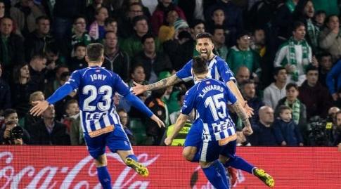 שחקני אלאבס חוגגים (La Liga)