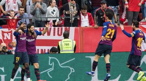 לואיס סוארס חוגג עם אוסמן דמבלה (La Liga)