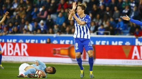 תומאס פינה מוחה בפני השופט (La Liga)