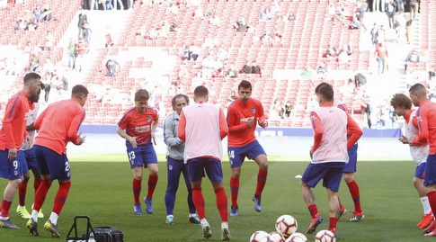שחקני אתלטיקו מדריד בחימום (La Liga)
