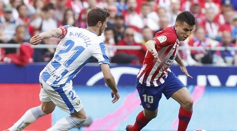 רובן פרס מנסה לעצור את אנחל קוראה (La Liga)