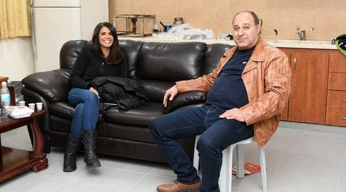 אלונה ברקת ומוחמד אבו יונס (עמרי שטיין)
