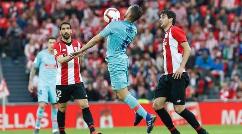 קוקה משתלט על הכדור (La Liga)