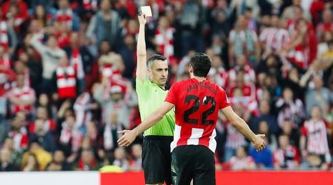 ראול גארסיה רואה כרטיס צהוב (La Liga)