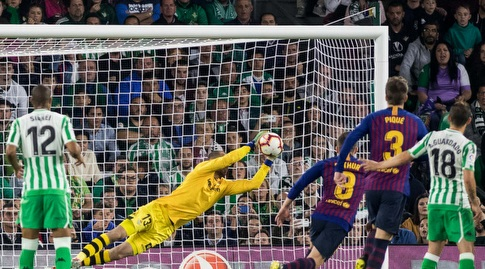 פאו לופס מתעופף ומציל (La Liga)