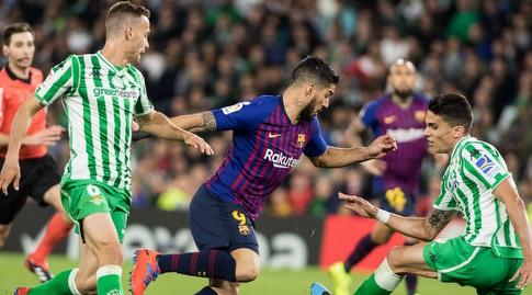 לואיס סוארס משאיר אבק למארק בארטרה (La Liga)
