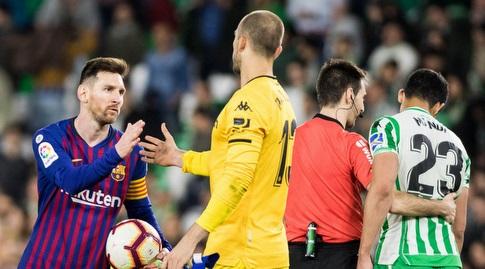 פאו לופס עם ליאו מסי בסיום (La Liga)
