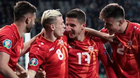 שחקני צפון מקדוניה חוגגים (רויטרס)