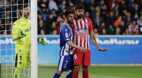 רובן דוארטה שומר על דייגו קוסטה (La Liga)