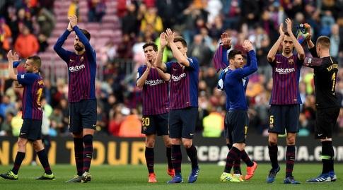 שחקני ברצלונה מודים לקהל בסיום (La Liga)