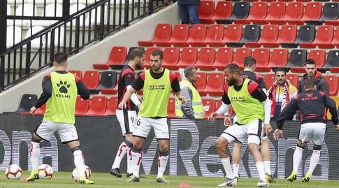 שחקני ראיו וייקאנו בחימום (La Liga)