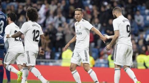 שחקני ריאל מדריד חוגגים עם איציק (La Liga)