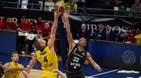 ג'וש אוונס וקולטון אייברסון (FIBA)