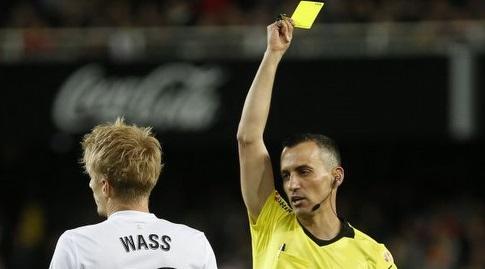 דניאל ואס מקבל את הצהוב (La Liga)