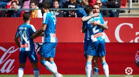 שחקני אספניול חוגגים עם סרג'י דארדר (La Liga)