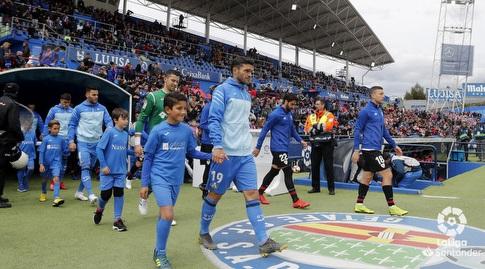 שחקני חטאפה ובילבאו עולים לכר הדשא (La Liga)