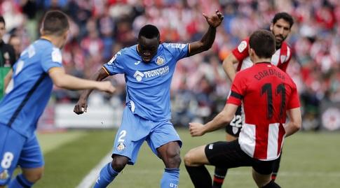 איבן קורדובה מנסה להגן (La Liga)
