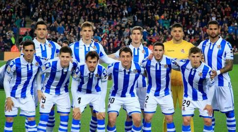 שחקני ריאל סוסיאדד לפני המשחק (La Liga)