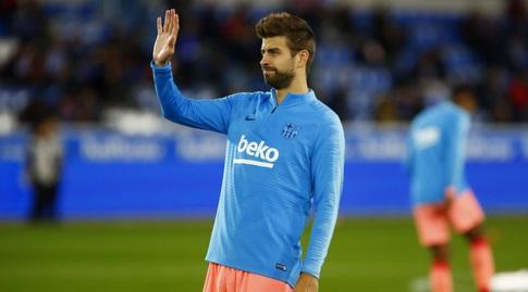 ג'רארד פיקה בחימום (La Liga)