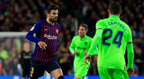 ג'רארד פיקה עם הכדור (La Liga)