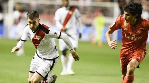 חסוס ואייחו מנסה להגיע לכדור (La Liga)