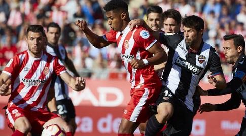 קוקה נאבק על הכדור (La Liga)
