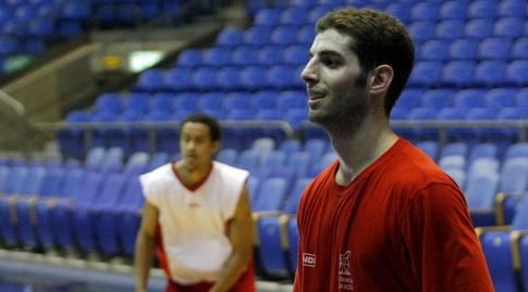 גוני עזריאלי (אמיר לוי)