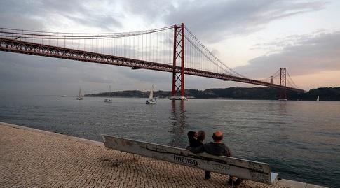 תאמינו או לא, הגשר הזה הוא בפורטוגל ולא בסן פרנסיסקו (רויטרס)