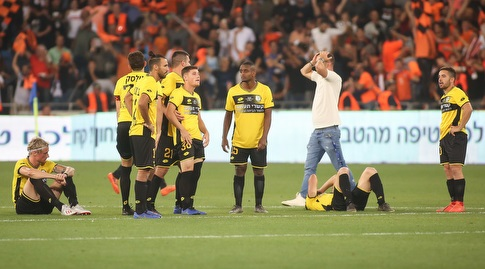 שחקני מכבי נתניה מאוכזבים (רדאד ג'בארה)
