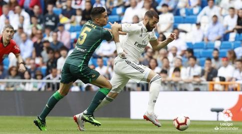 מארק ברטרה שומר על קארים בנזמה (La Liga)