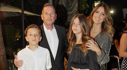 אבנר קופל עם משפחתו (שוקה כהן)