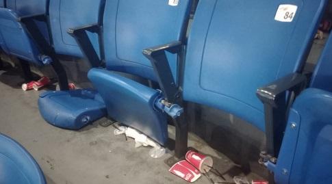 """הכיסאות השבורים ביציע הפועל ת""""א (מערכת ONE)"""