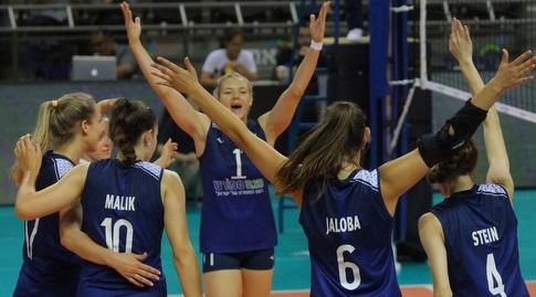שחקניות נבחרת ישראל בכדורעף חוגגות (דוד סלברמן איגוד הכדורעף)